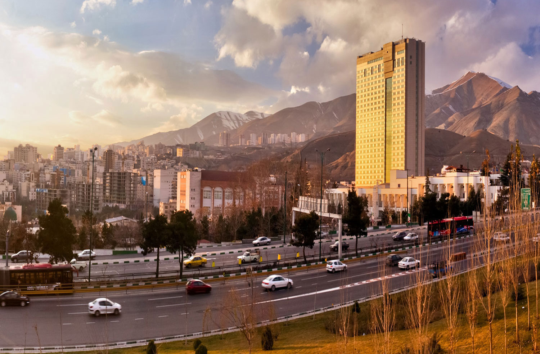 Parsian-Azadi-Hotel-Tehran-8-near Darband