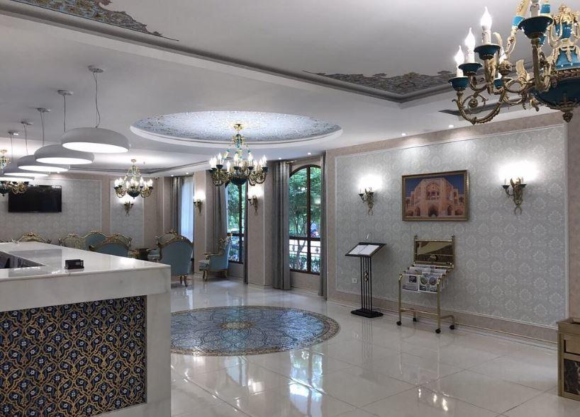 Khaju Hotel