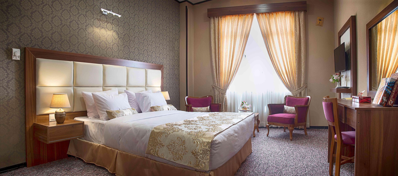 Beynolharameyn Hotel