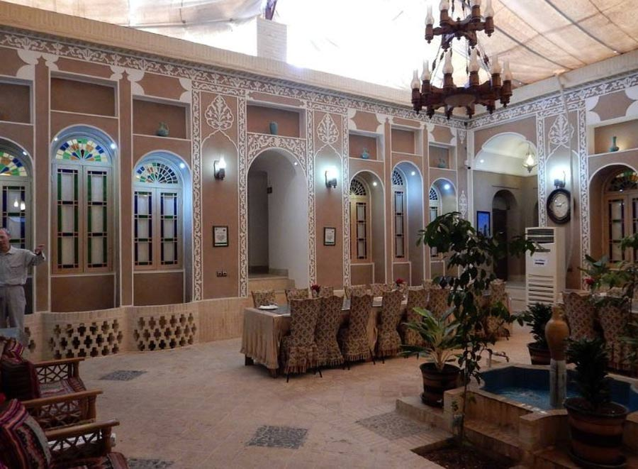 Khane Dohad Traditional Hotel